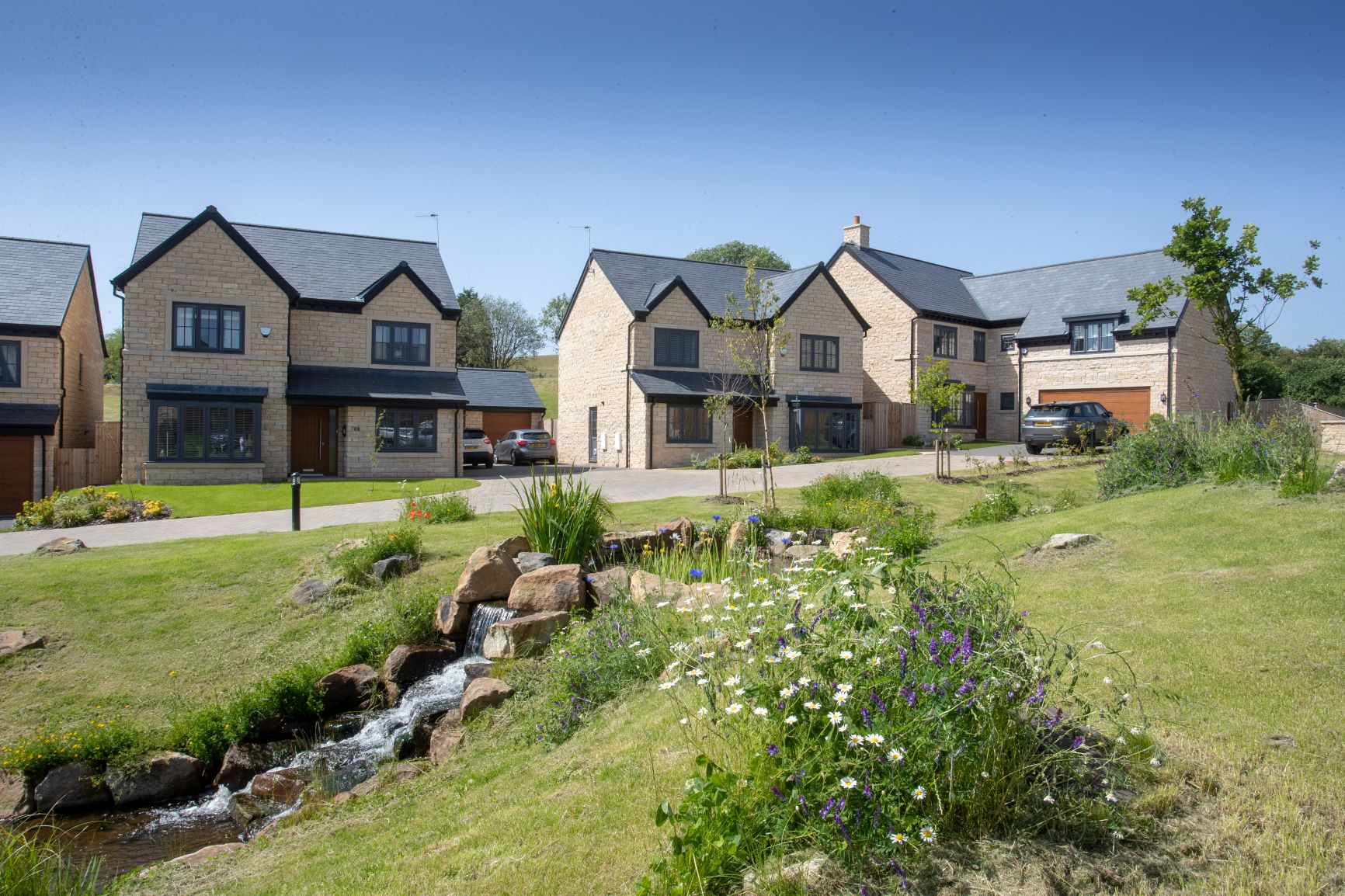 Greenbooth Village is beautifully landscaped5